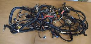01 CHEVROLET CAMARO RS 3.8L V6 AUTO TRANSMISSION DASH WIRE HARNESS BOX # 1195