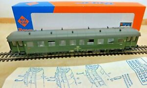 Roco 44232 A Eilzugwagen 2.KL 50 80 28-11615 - 2 with Instructions Spotless