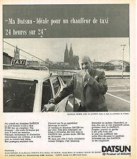 PUBLICITE ADVERTISING 114  1974  NISSAN DATSUN  pour un chauffeur de taxi  M.PET