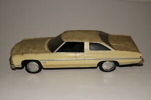 AMT 1976 Chevrolet Caprice Built Model, Original 1/24 Scale