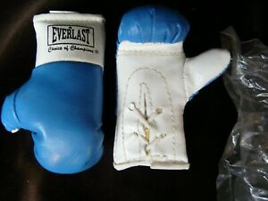 5 Pairs blue NIP 3 1/4 miniature Everlast boxing gloves