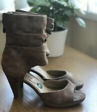 New Tamaris Suede Leather Sandals Size 4 37 Beige Ankle Cuff Heels