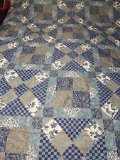 """Patchwork Floral & Leaf Design Full Size Comforter 74"""" x 100"""""""