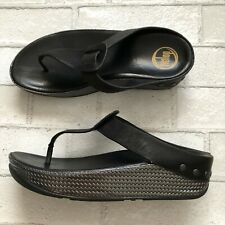 FitFlop Ibiza Black Leather Studded Size 7 Womens Thong Sandals Wedge Weave