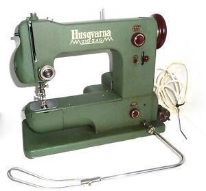 Antique Husqvarna ZIG-ZAG sewing machine very rare first free arm knee green