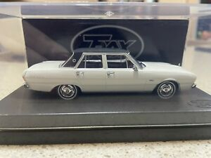 Chrysler VG valiant Regal By Trax 1:43 Scale Diecast Model NEW
