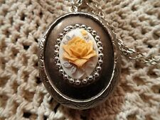 BEAUTIFUL YELLOW ROSE CAMEO LOCKET VICTORIAN