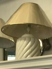 LARGE ITALIAN HAND PAINTED WHITE & GOLD CERAMIC TABLE LAMP.