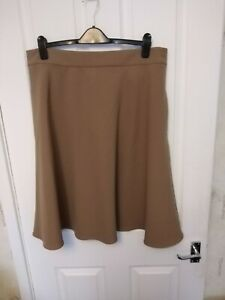 BNWT LADIES MARKS AND SPENCER CAMEL COLOURED SKIRT SIZE 18