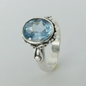 Size 7 1/2 - Size 7.5 Beautiful Oval BLUE TOPAZ Ring - 925 STERLING SILVER #127