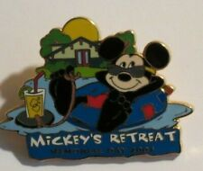 DISNEY WDW CAST EXCLUSIVE MEMORIAL DAY 2003 MICKEY MOUSE RETREAT LE 3000 PIN