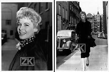 EVA BARTOK 3 Photos Actrice LONDRES Candid 1953