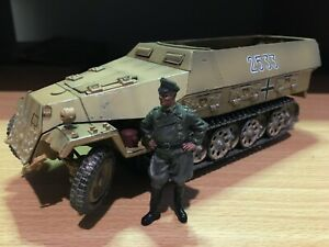 FORCES OF VALOR WWII GERMAN HANOMAG H/TRACK + BONUS COMMANDER FIGURE 1/32 SCALE