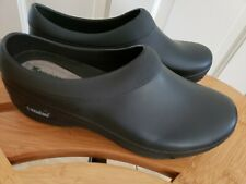 LANDAU FOOTWEAR X SLIP RESISTANT NURSING CLOGS WOMENS SIZE 11 MEN'S 9 BLACK