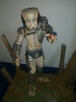 The Predator 12 Inch Movie Statue Pro Builted On Custom Wooden Base *Wow*