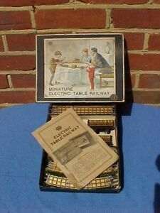 ANTIQUE 1920's GERMAN BING TINPLATE MINIATURE ELECTRIC TABLE RAILWAY SET - BOXED