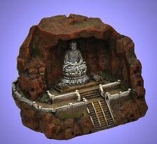 Aquarium Deko ❤️ BUDDHA in einer HÖHLE ❤️ Asien Tisch Dekoration Zubehör Felsen