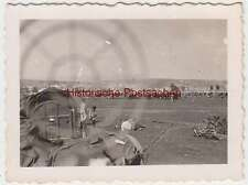 (F1693) Orig. Foto 2.WK Blick durch d. Fadenkreuz eines MGs, Flakstellung?
