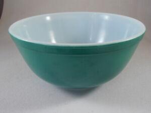 Vintage Pyrex #403 Primary Green 2 ½ Quart Mixing Nesting Bowl