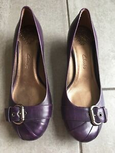 Clarks Ladies Purple Low Heel Shoes Size 5 1/2. Great Condition.