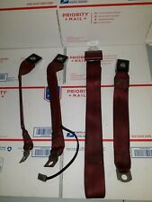 1994 Ford F150 Center Seatbelt And Both Female, Floor-mounted buckles