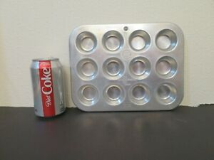 Vintage Aluminum Muffinaire Junior 12 count Muffin Pan United Aircraft Products