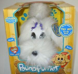 Pound Puppies Happy Waggin Pups NEW JAKKS Pacific 2000 White Electronic Dog