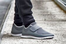 Nike Free socfly Zapatillas Zapatos Gimnasio Correr Casual Slip-on-UK 7 (EUR 41) Gris