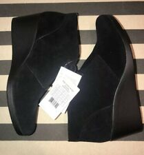 Crocs Women's Leigh Suede Wedge Black Shootie Comfort Boots Booties NEW Size 11