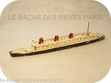 DINKY TOYS.  Bateau QUEEN MARY