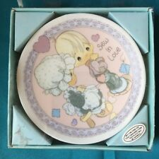 "Precious Moments Sew In Love 4"" Plate With Stand In Box 1992 Enesco"