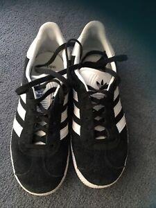 Girls Black Adidas Gazelles Size Uk 3.5
