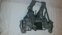 LIGHTWEIGHT MOLLE II ACU FLC ADJUSTABLE FIGHTING LOAD CARRIER W/ POUCHES JJ 1017