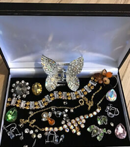 Vintage Mixed lot Costume Jewellery Harvester Repair-Necklace - Odds & Good Item