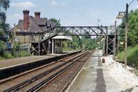 PHOTO  SURREY  CHIPSTEAD RAILWAY STATION 1983
