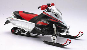 Yamaha FX Snowmobile (2008) in Red and Black (1:12 scale by New-Ray Toys 42893)