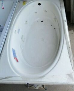 7 Jet Jacuzzi, White, Perfect Condition. Never Used!