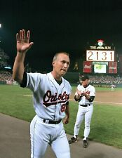 AWESOME ORIOLES GREAT CAL RIPKEN 2131 GAME STREAK  8x10 PHOTO