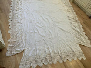 "Adorable Cottage Chic hand crochet full BED SKIRT 17"" Drop"