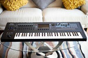 Roland FANTOM 6 61-Keys Keyboard Workstation spotless - Under Roland Warranty