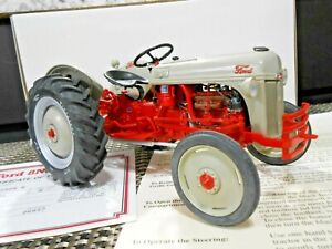 Danbury Mint 1:16 1952 Ford 8N Tractor W/ Papers!