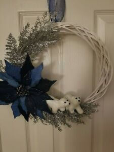 """Winter door wreath, white and silver, 13"""" inch. """"2 silver bears"""" NEW"""