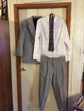 Boys 3-piece Suit With Tie Size 20R Michael James