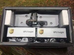 Hartoy / PEM UPS FREIGHT Doubles { 1st edition } Large logo