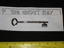 Ghost Key Magic Trick - Spooky, Close-Up, Haunted Skeleton Key, Pocket, Street