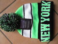 """1) """"NEW YORK"""" 1 Mütze schw-grün Universalgröße für DAMEN & HERREN, NEU + Etikett"""