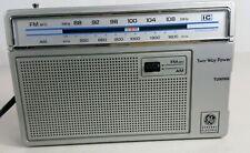 Vintage GE General Electric FM/AM Portable Radio AC & Battery Powered 7-2665B