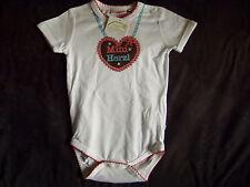 Liegelind Baby Body Dirndl Herz Strampler Tracht Gr. 86 / 92 Trachtenbody Wiesen