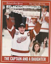 YZERMAN 2001/02 The Detroit Free Press RED WINGS 8x10 STANLEY CUP Collector Card