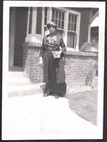 VINTAGE PHOTOGRAPH BLACK AMERICANA WOMAN GIRL HAT DRESS FASHION OF ERA OLD PHOTO
